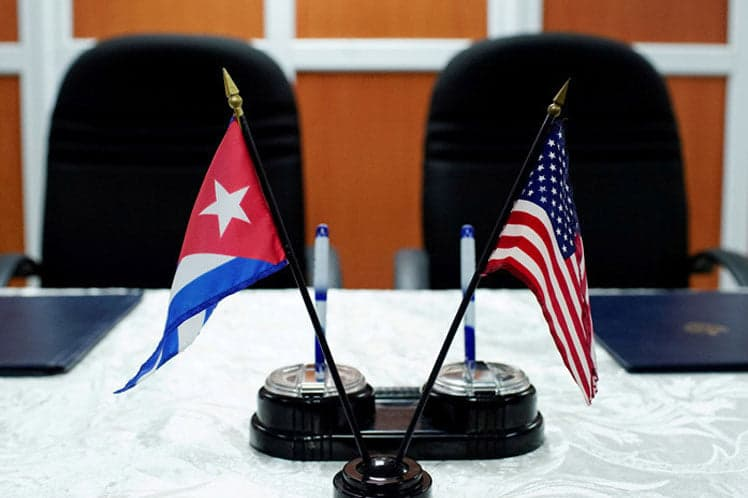 Should the U.S. End the Embargo on Cuba?